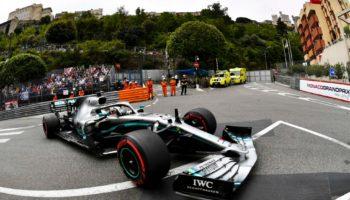 Hamilton si prende le FP1 di Monaco. 2° Verstappen, bandiera nera per…richiamare ai Box le Haas