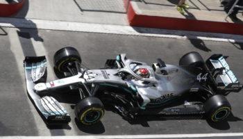 """Mercedes scopre un problema idraulico sulla W10 di Hamilton: """"Contiamo di essere pronti per il GP"""""""