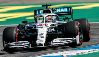 Hamilton approfitta del disastro Ferrari: è Pole! Leclerc 10°, Vettel addirittura ultimo