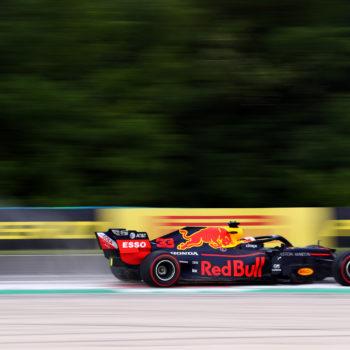 Verstappen è inarrestabile in Ungheria: è pole e record! Ferrari dietro alle Mercedes
