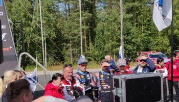Super Tanak fa ancora doppietta: a lui gara e Power Stage. Giù dal podio Ogier e Neuville