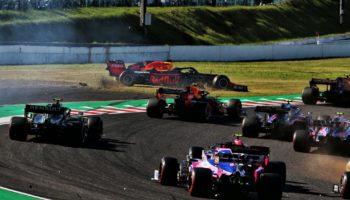"""Verstappen: """"Leclerc ha guidato in maniera irresponsabile, non c'era motivo di rischiare così"""""""