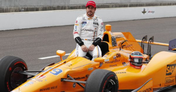 Alonso sulla McLaren Indy