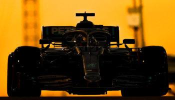 Hamilton si prende l'ultima Pole dell'anno! 2° Verstappen, Ferrari sbaglia con Leclerc