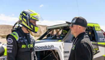 Imprevisto per Jenson Button: rompe alla Baja 1000 e rimane nel deserto per 17 ore