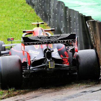 Nelle FP1 di Interlagos Albon va in testa e poi sbatte. Bottas davanti alle Ferrari