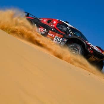 Sainz, Al-Attiyah e Peterhansel soffrono: il Day 8 della Dakar va a Serradori. 2° Alonso!