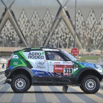 L'outsider Zala si prende il Day 1 della Dakar. Bene Price, problemi per Al-Attiyah