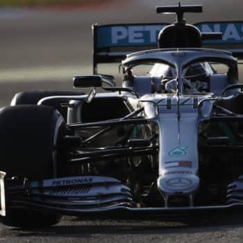 Test Barcellona, Day 1: doppietta Mercedes con Hamilton davanti. 11° Leclerc