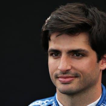 La Scuderia Ferrari ha scelto: sarà Carlos Sainz ad affiancare Charles Leclerc