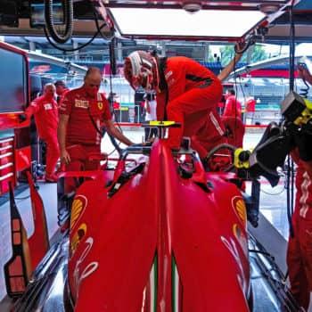 """Ferrari, Vettel parla di """"venerdì non così male"""" ma per Leclerc è """"peggio di quanto ci aspettavamo"""""""