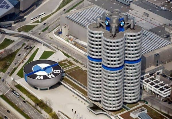 architecture-and-buildings-bmw-headquarters-munich-germany-9552