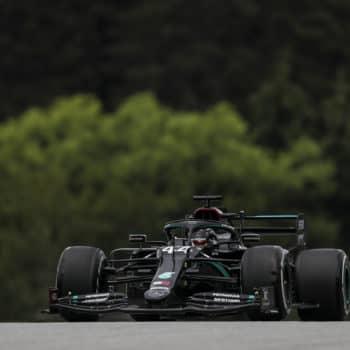 Lewis Hamilton si prende le FP1 del GP d'Austria. Bene le McLaren e Perez, 10° Leclerc