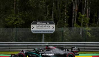 Lewis Hamilton vola a Spa: pole e record! Bene Ricciardo, fuori nel Q2 le Ferrari