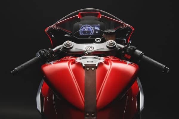 superveloce-800-red-grey-detail-3