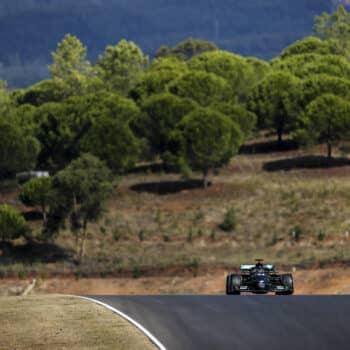 Hamilton si prende la pole in Portogallo…con le Medium! 2° Bottas, 4° Leclerc