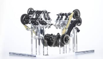 motore-ducati-v4-granturismo_08_uc200227_high