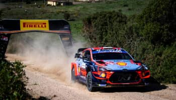 Pazzo venerdì al Rally di Sardegna: super Sordo al comando davanti a Suninen
