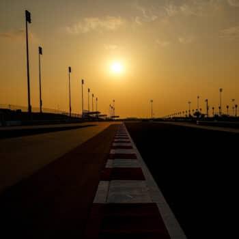 Info, orari, niente record e…poche curve: guida al GP di Sakhir di F1