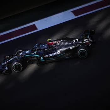 Bottas precede Hamilton nelle FP2 di Abu Dhabi. 8° Leclerc, a fuoco l'Alfa di Raikkonen