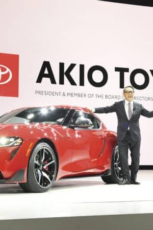 """Toyoda: """"Le auto elettriche? Sopravvalutate. La politica non si rende conto di cosa si parli"""""""