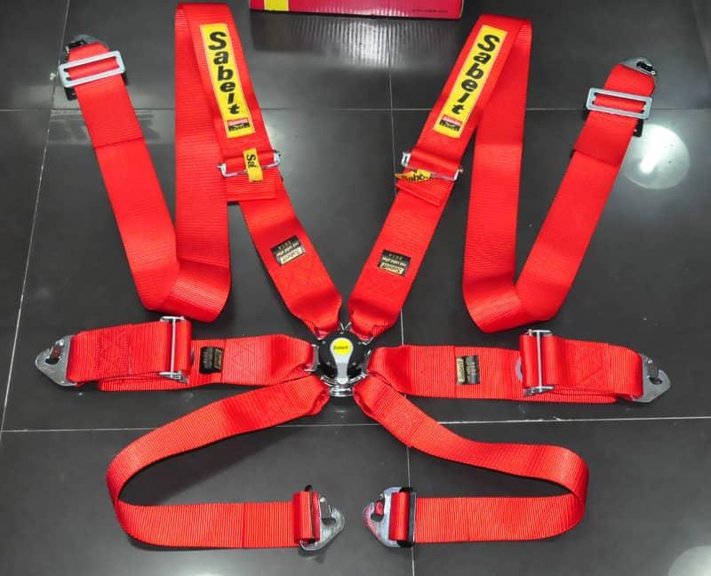 racing-seat-belts