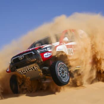 De Villiers vince e Peterhansel allunga nella Stage 5 della Dakar. Benavides leader tra le moto