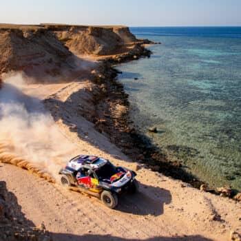 Nella Stage 9 della Dakar Peterhansel vince e scappa via. Price costretto al ritiro!