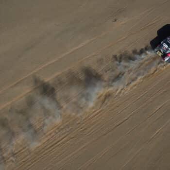 La Stage 2 riscrive la classifica della Dakar: salgono Al-Attiyah, Loeb e le Honda, crollano le KTM