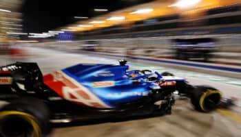 Fernando Alonso si è ritirato dal GP del Bahrain a causa della carta di un panino