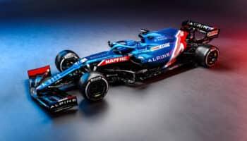 Presentata la Alpine A521: ecco l'arma di Fernando Alonso ed Esteban Ocon