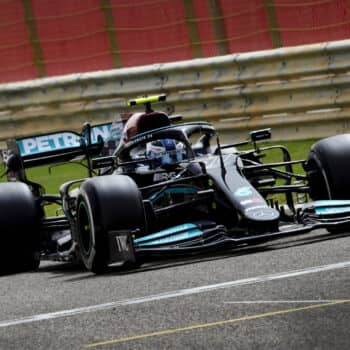 F1, test Bahrain: nel Day 2 Bottas porta in testa la Mercedes, bene Gasly e Norris. 6° Leclerc