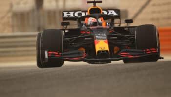F1, test Bahrain: Verstappen impressiona, Mercedes lascia perplessi. 5° Sainz
