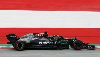 È 1-2 Mercedes nelle FP2 del GP d'Austria. 3° Verstappen, la pioggia frena le Ferrari