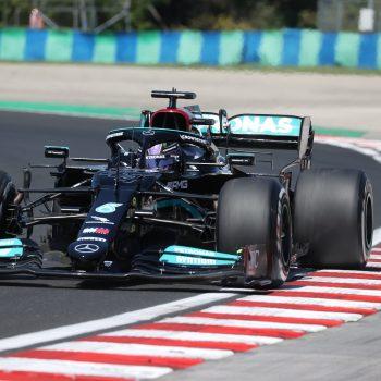Hamilton batte Verstappen per 88 millesimi nelle FP3 ungheresi. Sainz davanti a Leclerc