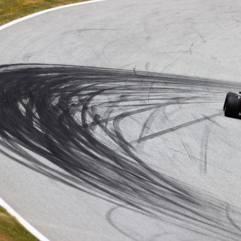 Verstappen ancora in testa in Austria: sue le FP1. Subito dietro le Ferrari, 7° Hamilton