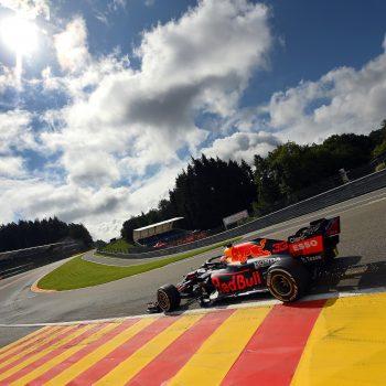 Verstappen primo e a muro nelle FP2 del GP del Belgio. 2° Bottas, sbatte Leclerc