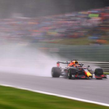 Verstappen vola sull'acqua delle FP3 in Belgio, 3° Hamilton. Male le Ferrari