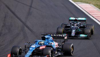 """Hamilton: """"Con Alonso duello magnifico"""". Alonso: """"Avrebbe dovuto superarmi più in fretta"""""""