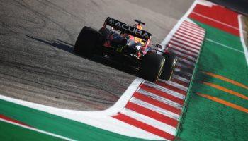 Verstappen stende Hamilton nelle qualifiche del CoTA: è pole del #33! 4° Leclerc